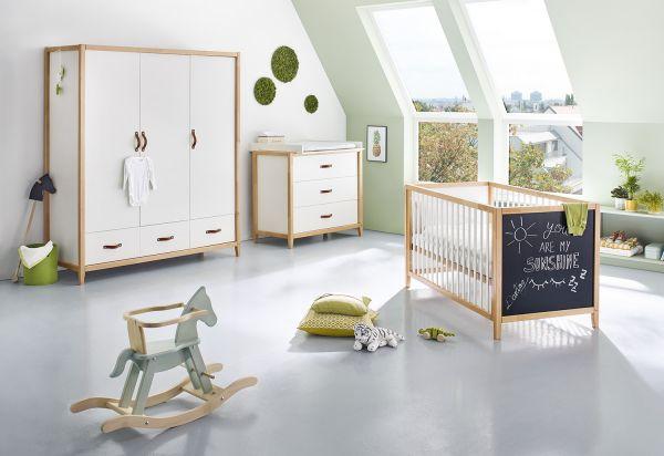 Kinderzimmer 'Calimero' breit groß mit Tafellack, weiß / klar