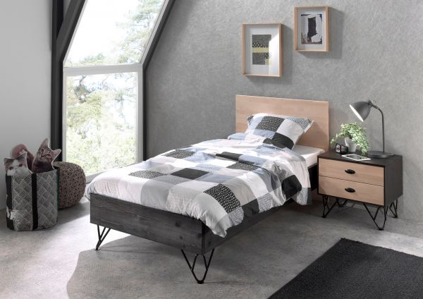 Set William best. aus: Einzelbett, Nachtschrank, Kiefer massiv, schwarz / natur